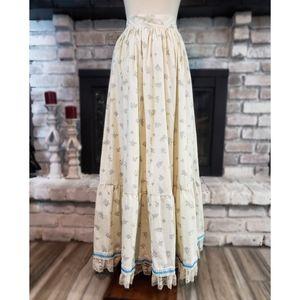 Beautiful Prairie/Early American Skirt
